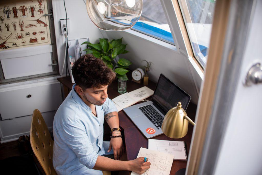 Choosing a VAT scheme for your e-commerce business